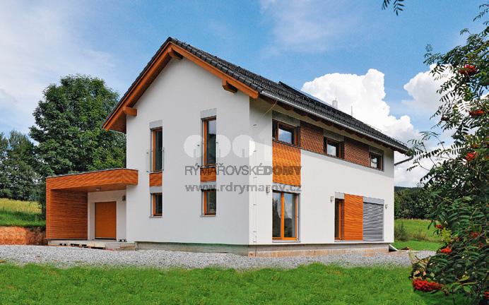 Takmer polstoročie už pomáhajú Rýmařovská stavby formovať názor českej verejnosti na technické vyhotovenie i architektúru rodinného domu obývateľného v technológii montovanej drevostavby. A spájajú technický termín montovaná drevostavba s predstavou pohodlného bývania prostredníctvom viac než 23 tisíc realizácií. Na snímke dom Dragon 130 EVO.